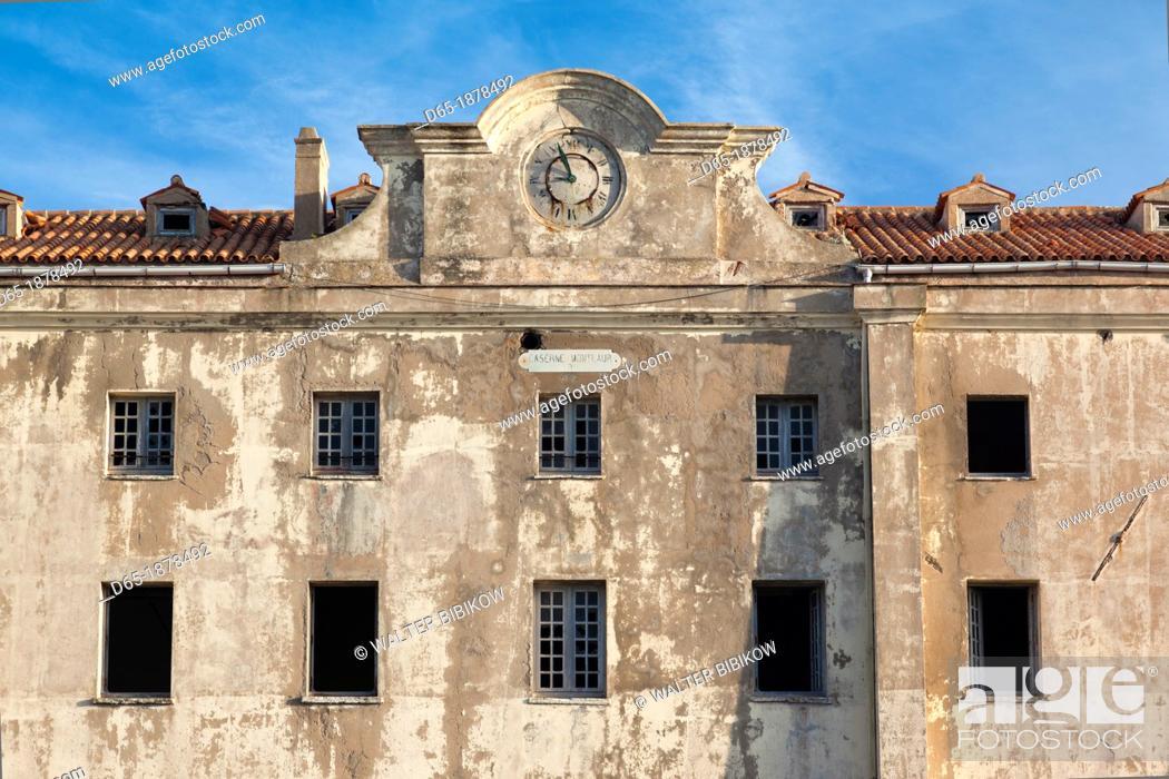 Stock Photo: France, Corsica, Corse-du-Sud Department, Corsica South Coast Region, Bonifacio, Le Caserne, old military barracks building.