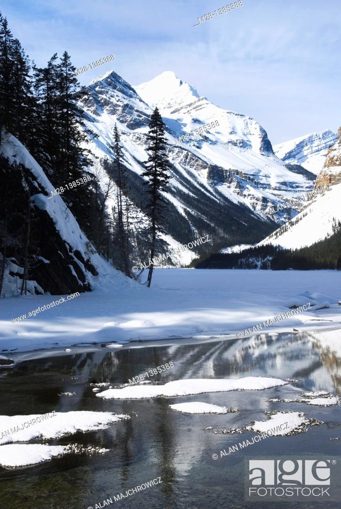 Stock Photo: Kinney Lake in winter, Mount Robson Provincial Park British Columbia Canada.