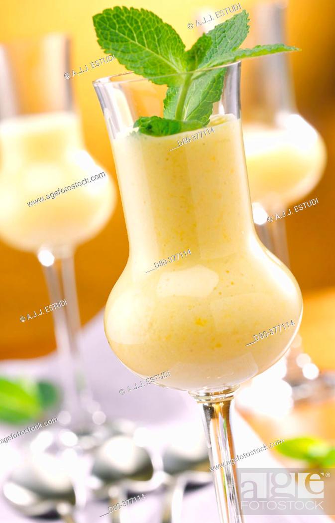 Stock Photo: Lemon and mint mousse.