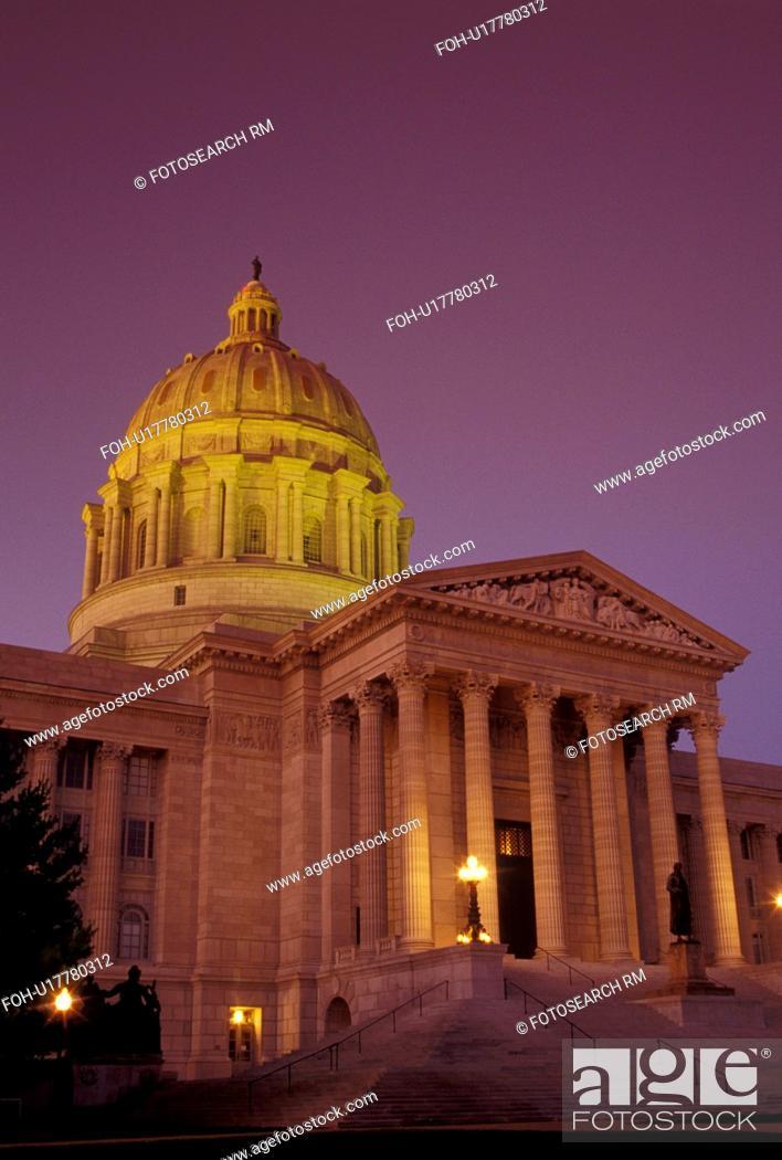 Stock Photo: MO, Missouri, Jefferson City, Missouri State Capitol, State House, evening.