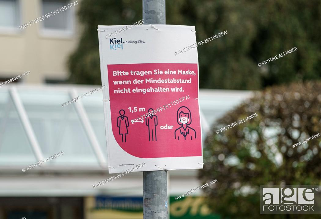 Imagen: 20 September 2021, Schleswig-Holstein, Kiel: A sign in the city center of Kiel asks to wear a mask if a minimum distance cannot be kept.