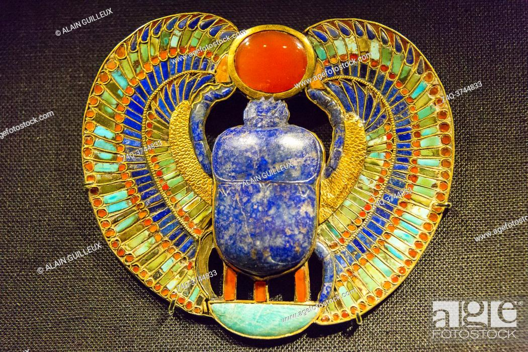 Stock Photo: Egypt, Cairo, Egyptian Museum, Tutankhamon jewellery, from his tomb in Luxor : Breast ornament showing the name of the king.