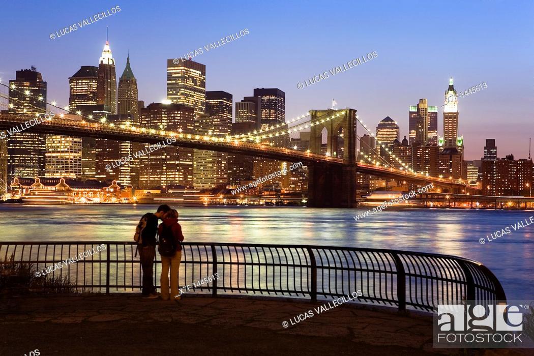 Stock Photo: Brooklyn bridge and Downtown New York City, USA.