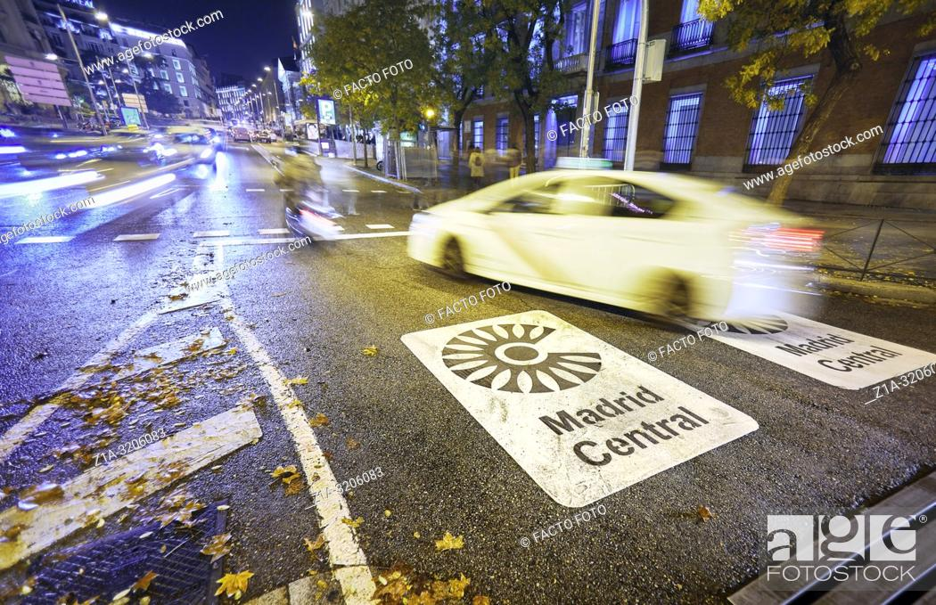 Stock Photo: Madrid Central low-emissions zone sign at Plaza de las Cortes street. The antipollution measure introduces new restrictions on traffic in the heart of the.