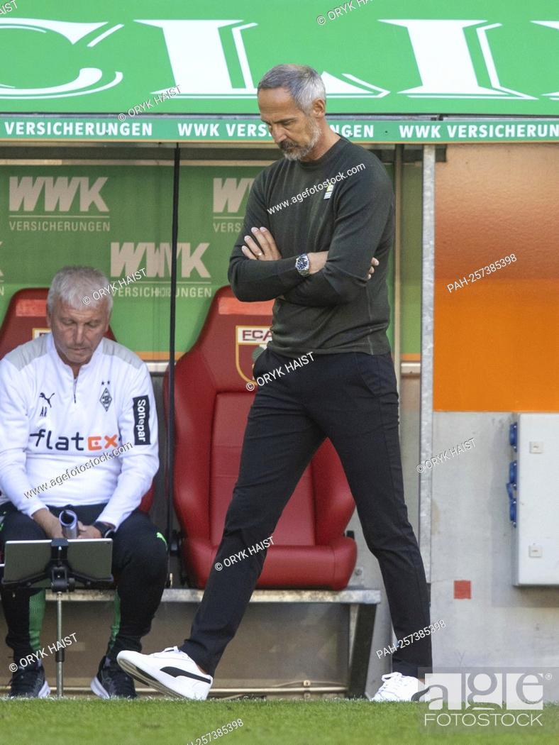 "Stock Photo: Disappointment 'à ""¶ Gladbach coach Adi HUETTER (HvúTTER). Soccer, FC Augsburg - Borussia Mvšnchengladbach 1: 0, Soccer Bundesliga, 5th matchday."