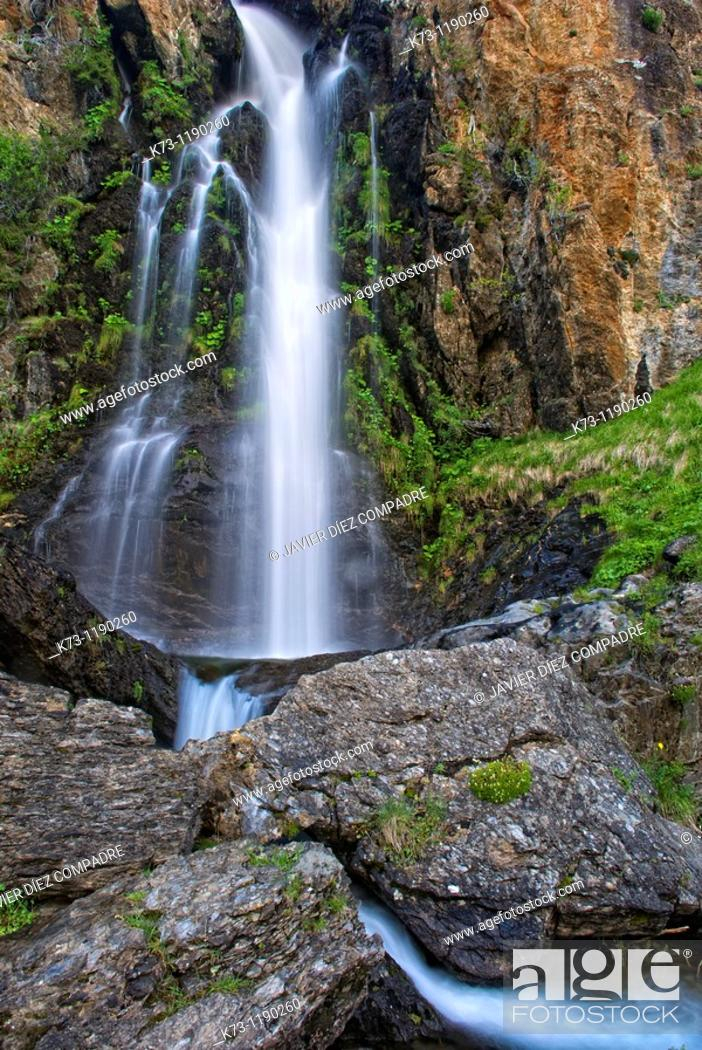 Stock Photo: Waterfall  Mazobre Valley  Fuentes Carrionas y Fuente Cobre-Montaña Palentina Natural Park. Palencia province, Castilla y Leon, Spain.