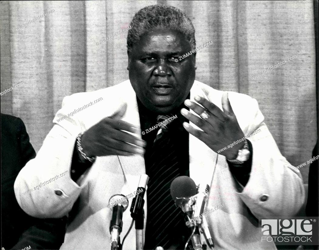 Imagen: Sep. 09, 1979 - Joshua Nkomo arrives for the Constitutional Conference on Rhodesia: Photo shows Mr. Joshua Nkomo speaking at a Press Conference.