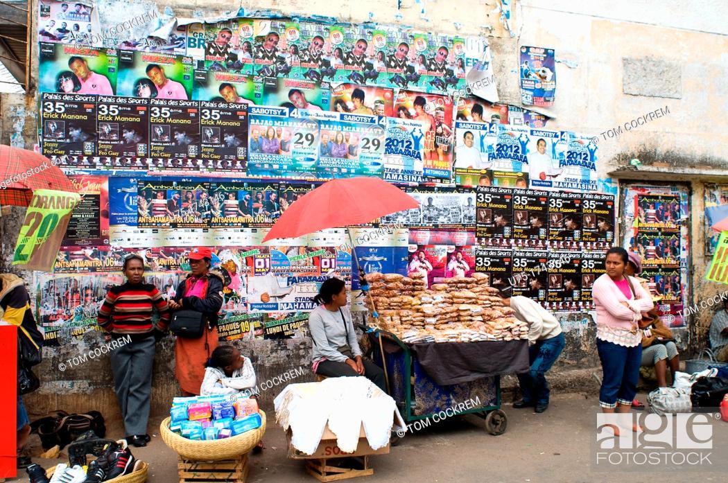Stock Photo: Street hawkers, Antananarivo, Madagascar.