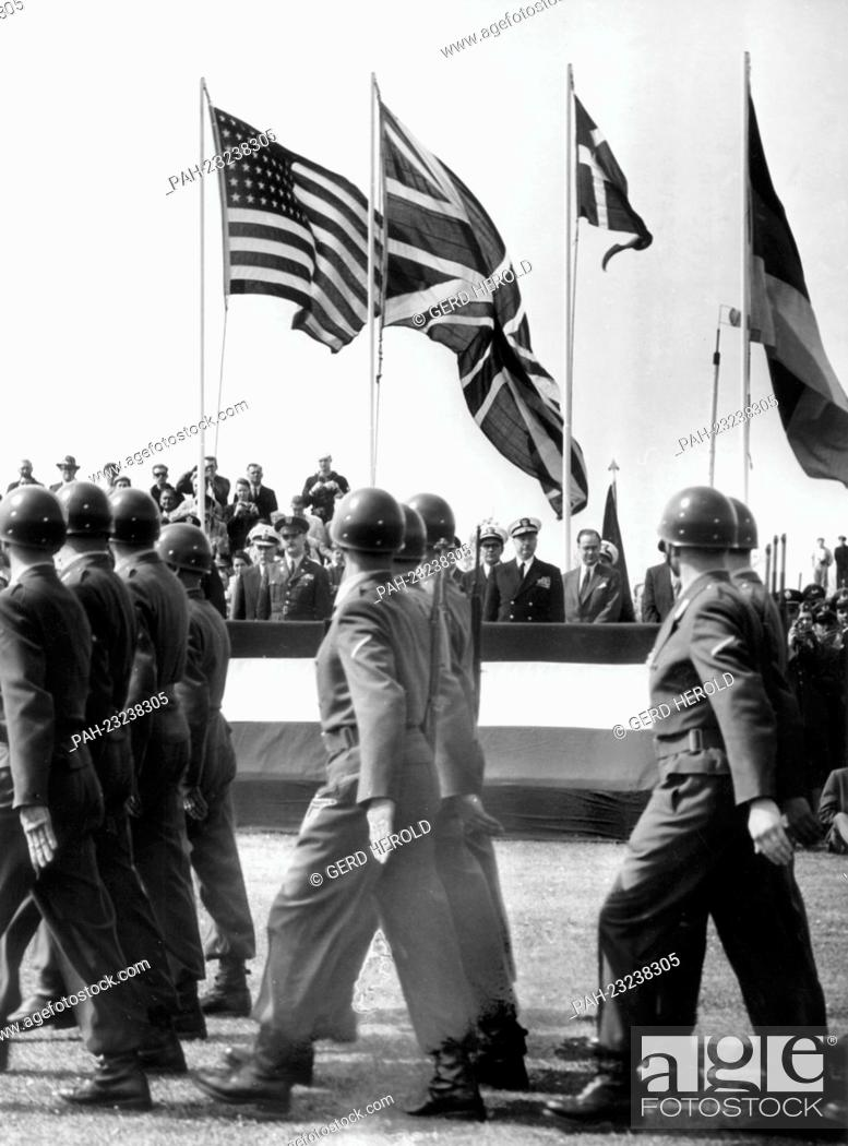 Stock Photo: Troops of the US Army, the Bundeswehr, the British and the Danish Army marching together on occasion of the 'Armed Forces Day' on 17th May 1958 in Bremerhaven.