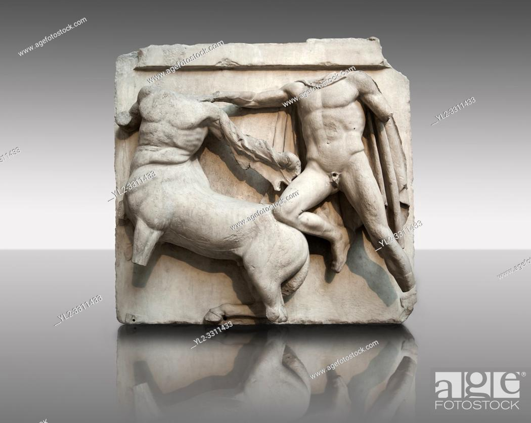 Imagen: Sculpture of Lapiths and Centaurs battling from the Metope of the Parthenon on the Acropolis of Athens No III. Also known as the Elgin marbles.