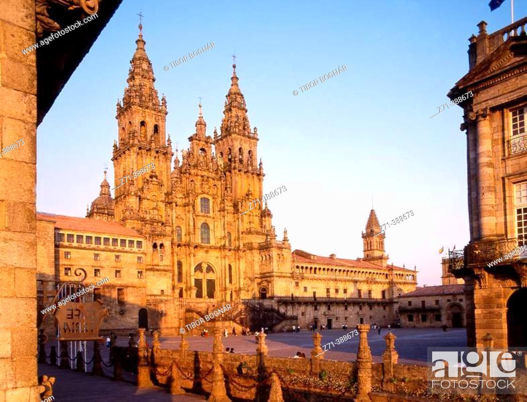 Stock Photo: Santiago cathedral. Obradoiro square. Santiago de Compostela. La Coruña province. Galicia. Spain.