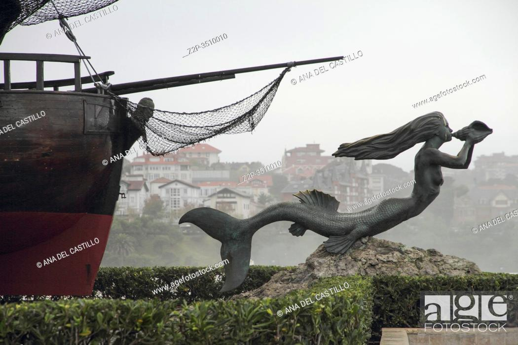 Imagen: Magdalena peninsula Santander Spain.The mermaid statue of Sirena Magdalena on the Magdalena Peninsula in Santander, Spain.