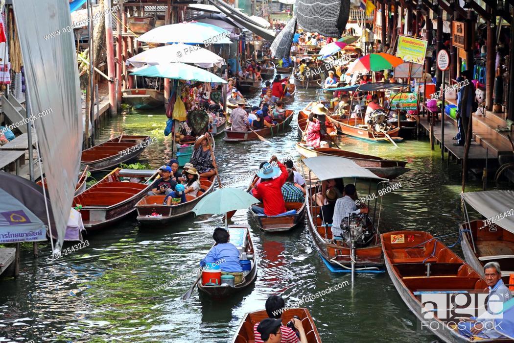 Stock Photo: Damnoen Saduak Floating Market, Ratchaburi near Bangkok, Thailand .