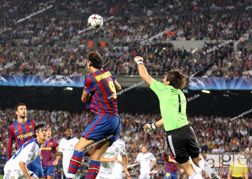 Stock Photo: Barcelona, Camp Nou Stadium, 29/09/2009, UEFA Champions League, FC Barcelona vs. FC Dynamo Kyiv, Zlatan Ibrahimovic and goalkeeper Oleksandr Shovkovskiy.
