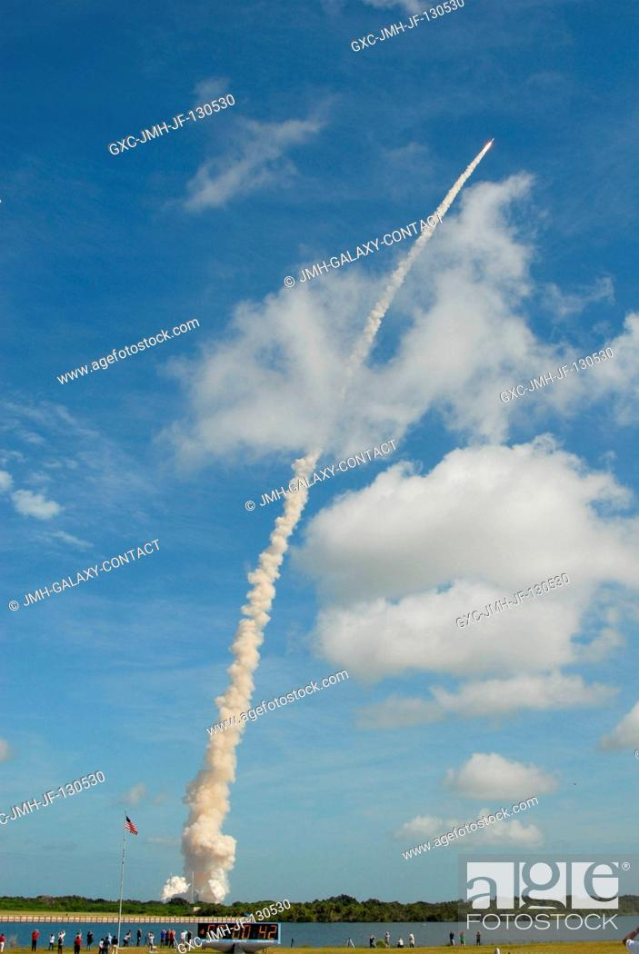 Stock Photo: NASA's Ares I-X test rocket launches from Launch Complex 39B at NASA's Kennedy Space Center in Florida. Liftoff of the six-minute flight test was at 11:30 a.