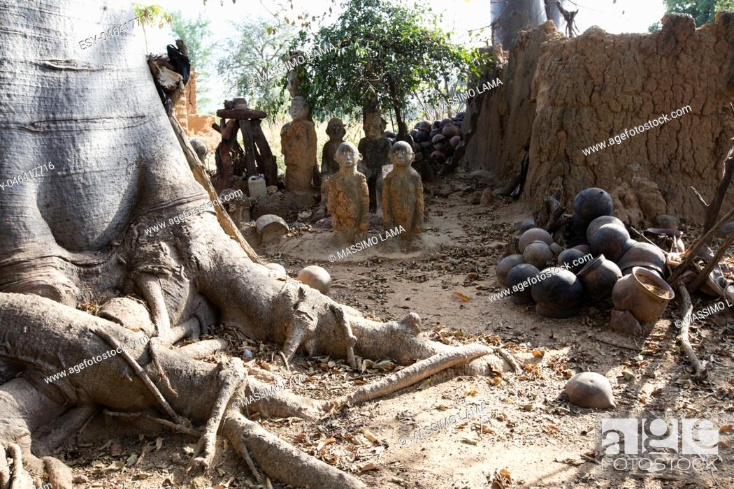 Imagen: Fetish in Lobi village, in which there is animistic cult.