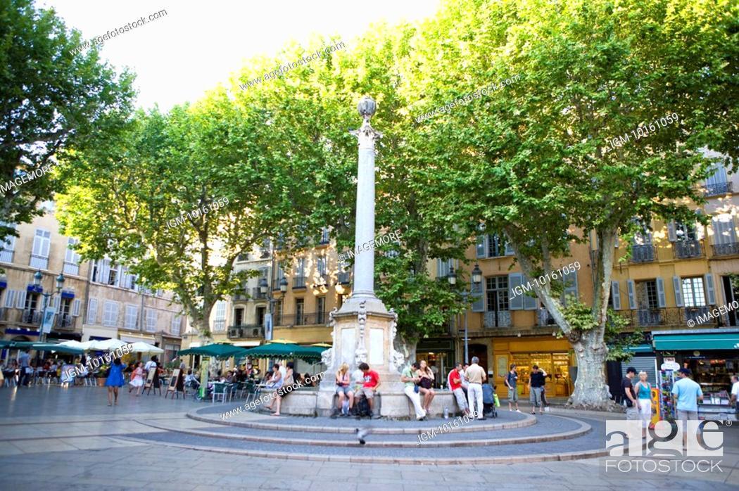 Stock Photo: Fountain in Aix-en-Provence, Provence-Alpes-Cote d'Azur, France.