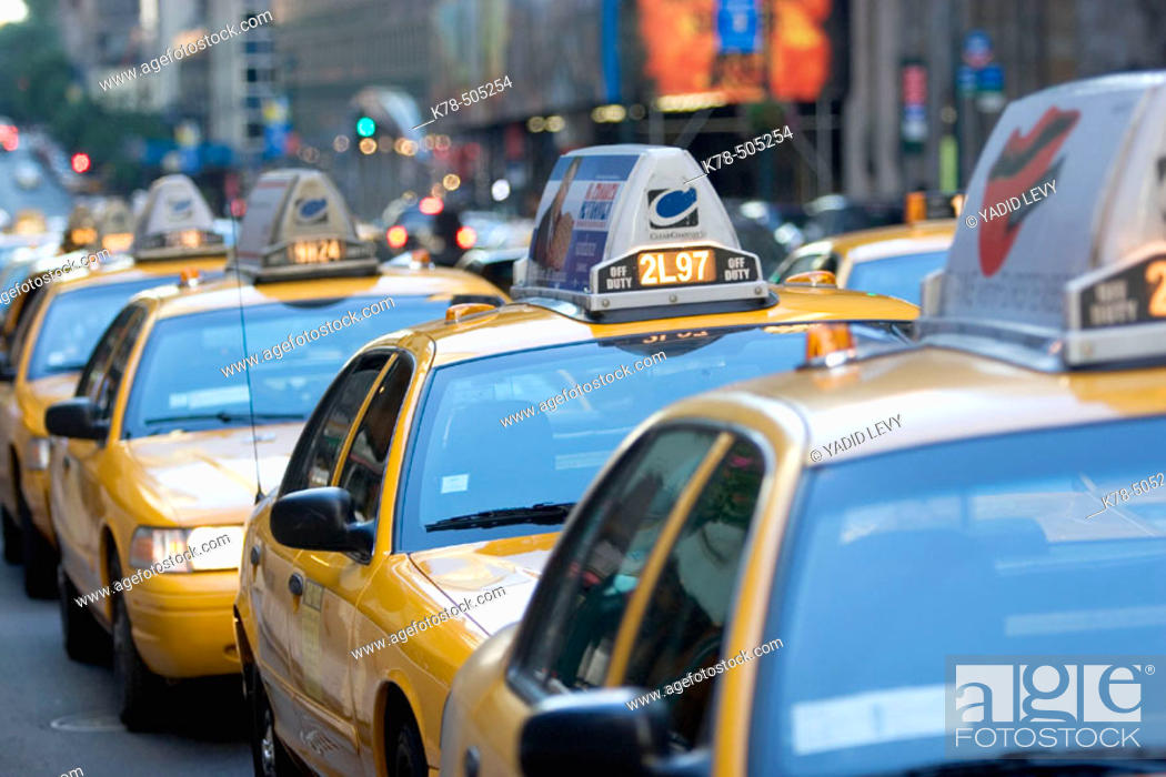 Stock Photo: Taxi stand, Manhattan, NY, USA.
