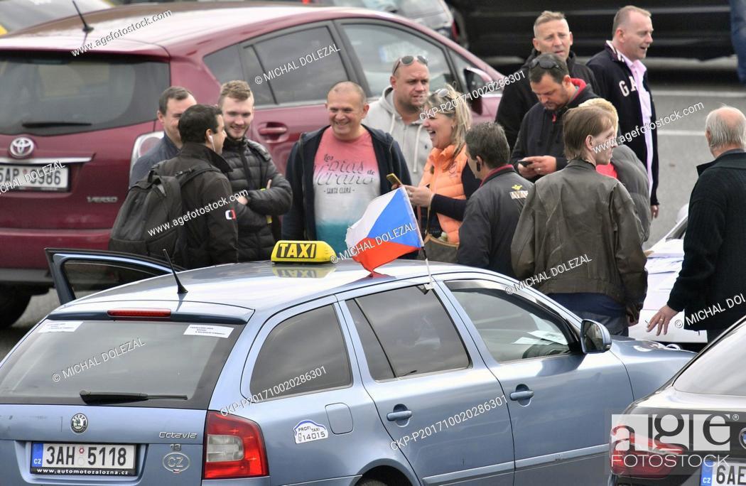 Association of Czech Taxi Drivers organized a go-slow