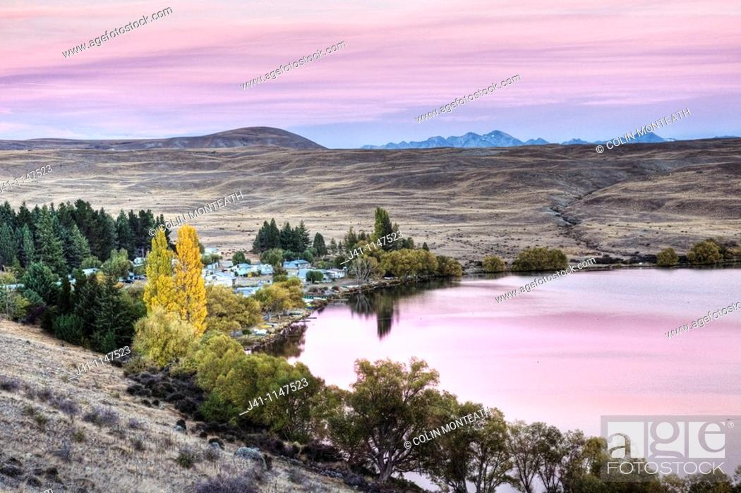 Stock Photo: Lake Alexandrina Wildlife Refuge and fishing baches at dawn, popular spot for trout fishermen and their row boats -no engines allowed on lake-, autumn.