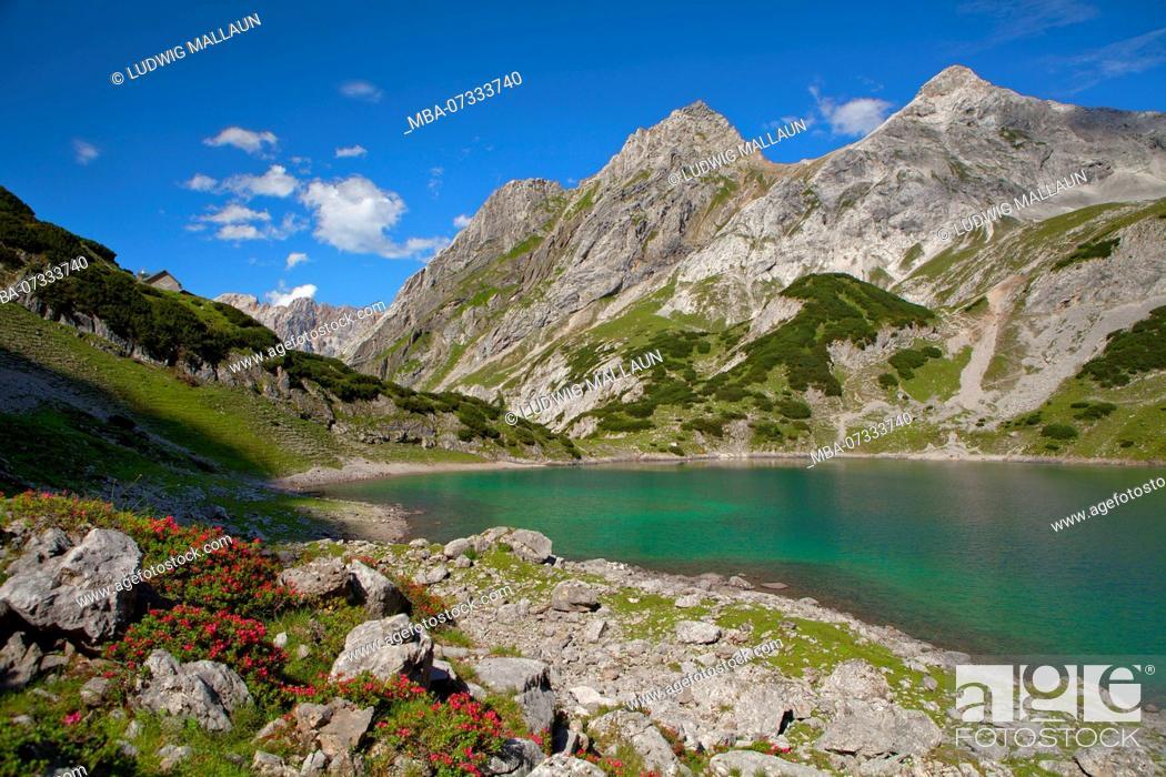 Stock Photo: Austria, Tyrol, Ehrwald, Drachensee.