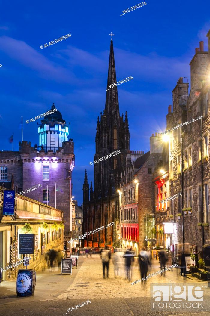 Stock Photo: View down The Royal Mile at dusk in Edinburgh, Scotland, United Kingdom.