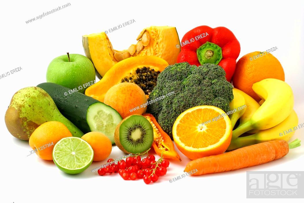 Imagen: Fruits and vegetables still life.