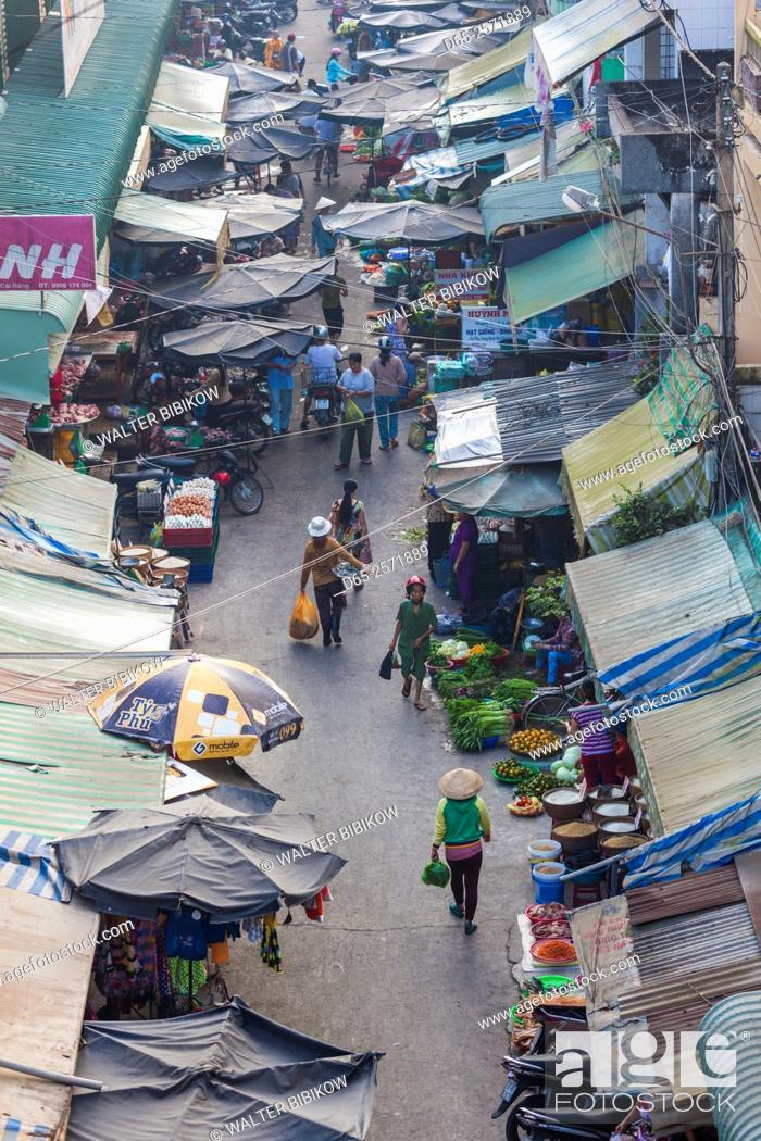 Stock Photo: Vietnam, Mekong Delta, Cai Rang, Cai Rang Floating Market, elevated view of the street market.