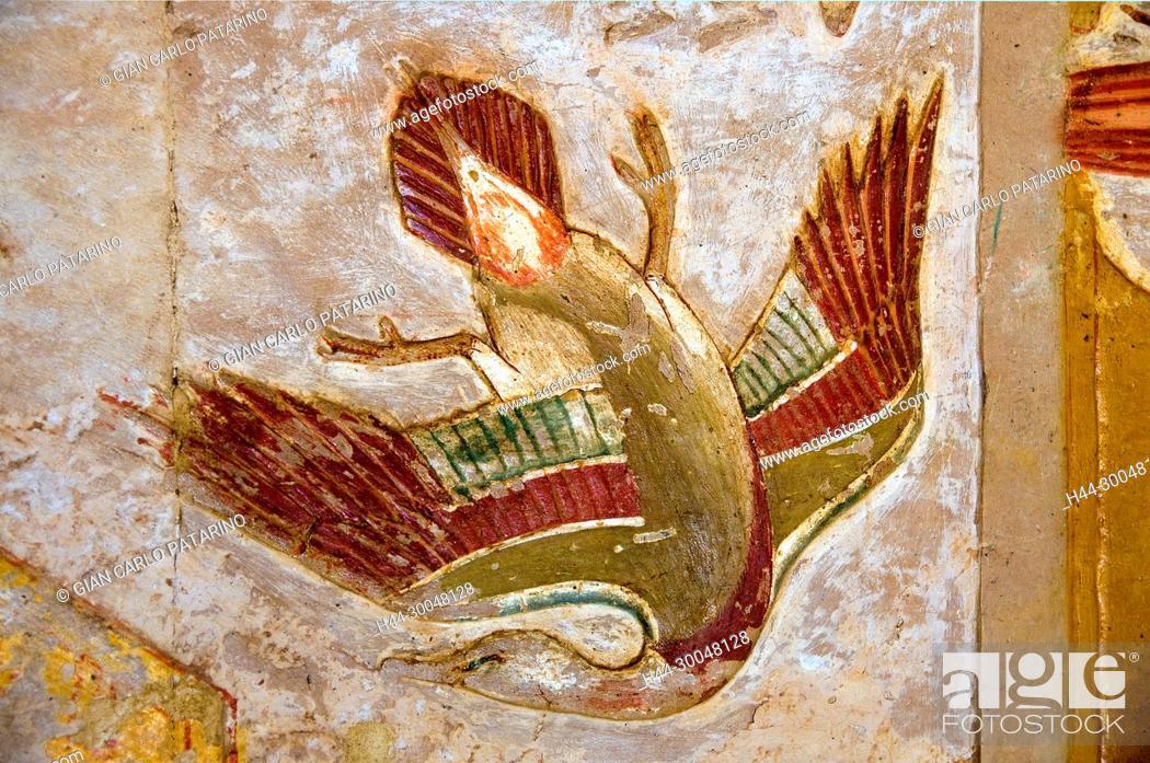 Stock Photo: Deir el Bahari, Luxor, Egypt: temple of the queen Hatshepsut (New Kingdom 1567-1080 b.C.) at Deir el Bahari called Djeser-Djeseru: peinture in a chapel shoving.
