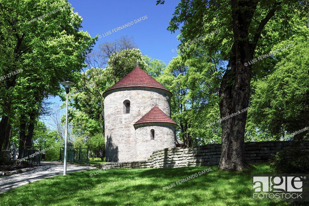 Imagen: St. Nicholas Church, in the Castle Park of Cieszyn, Poland.