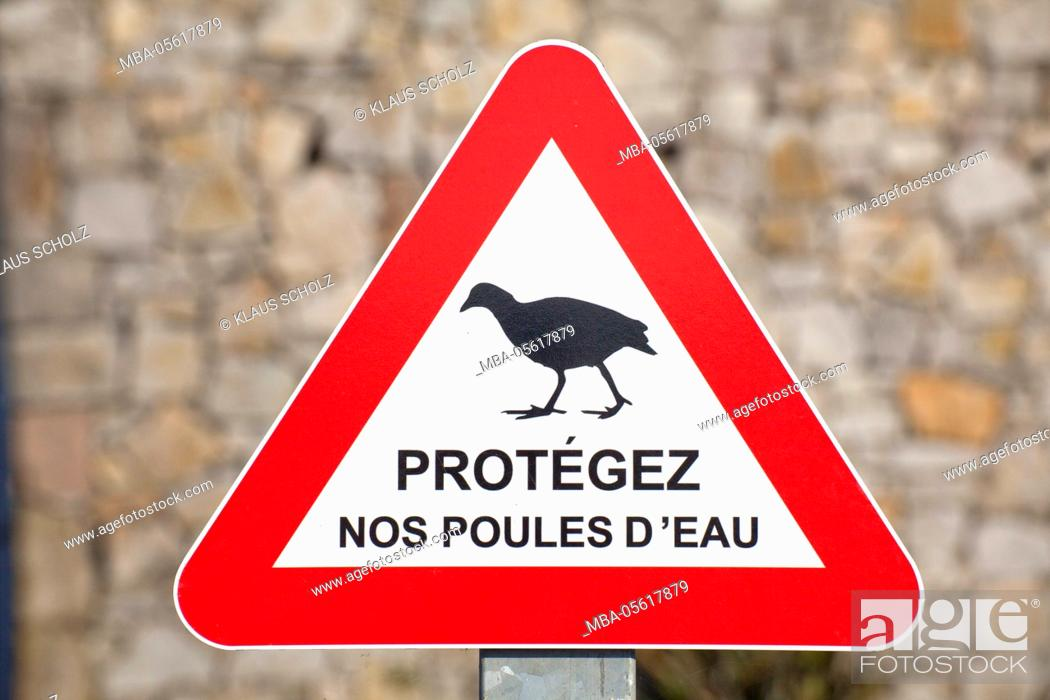 Imagen: Sign for protection of animals.