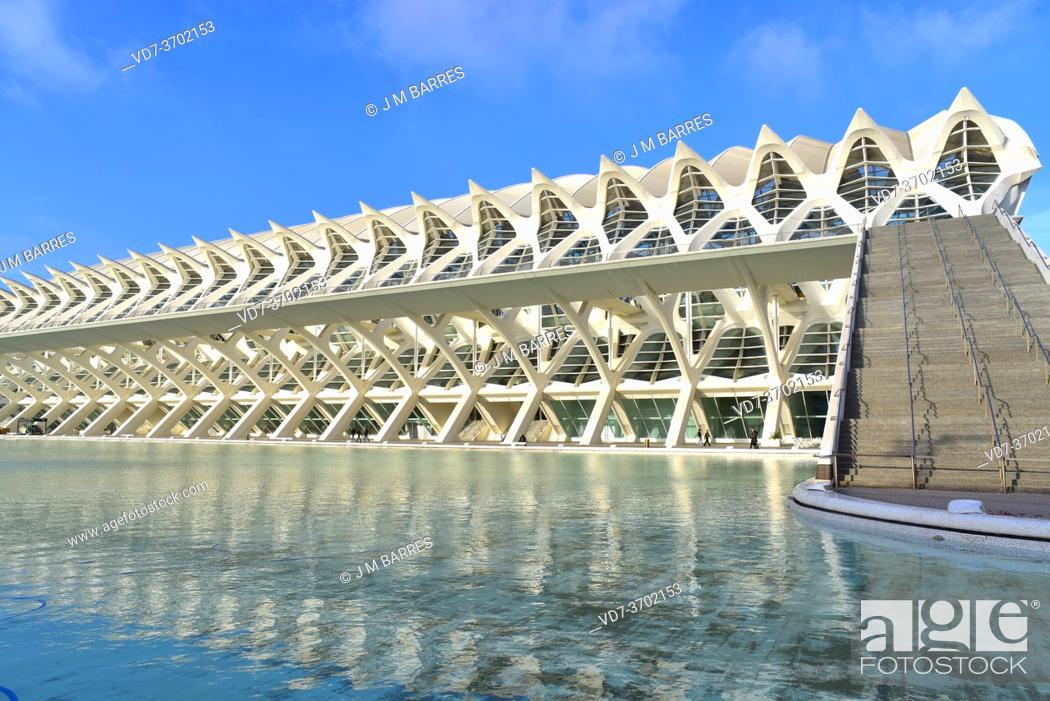 Stock Photo: Valencia, Ciutat de les Arts i les Ciencies by Santiago Calatrava. Museu de les Ciencies. Comunidad Valenciana, Spain.