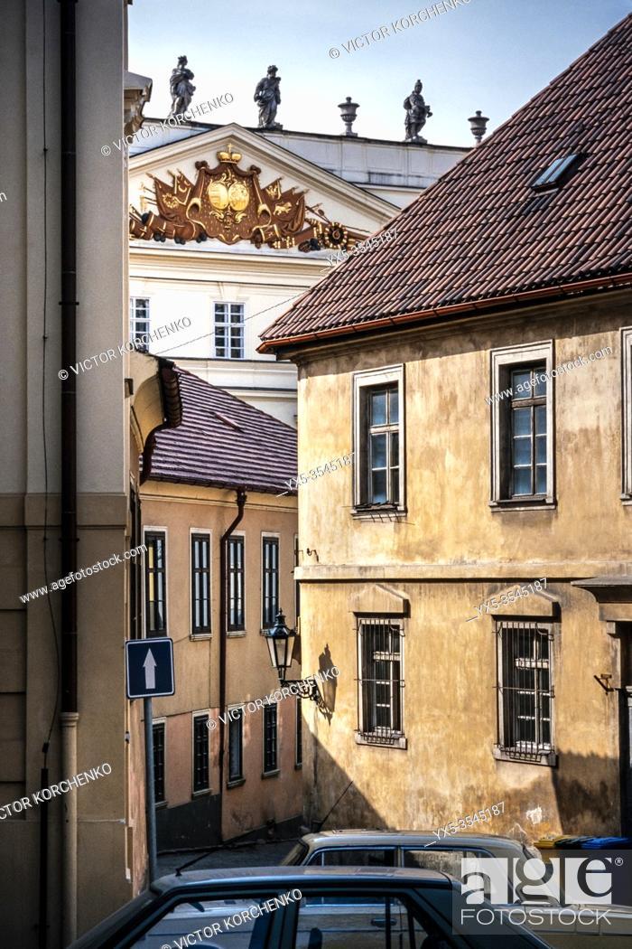 Imagen: Old street in Prague.