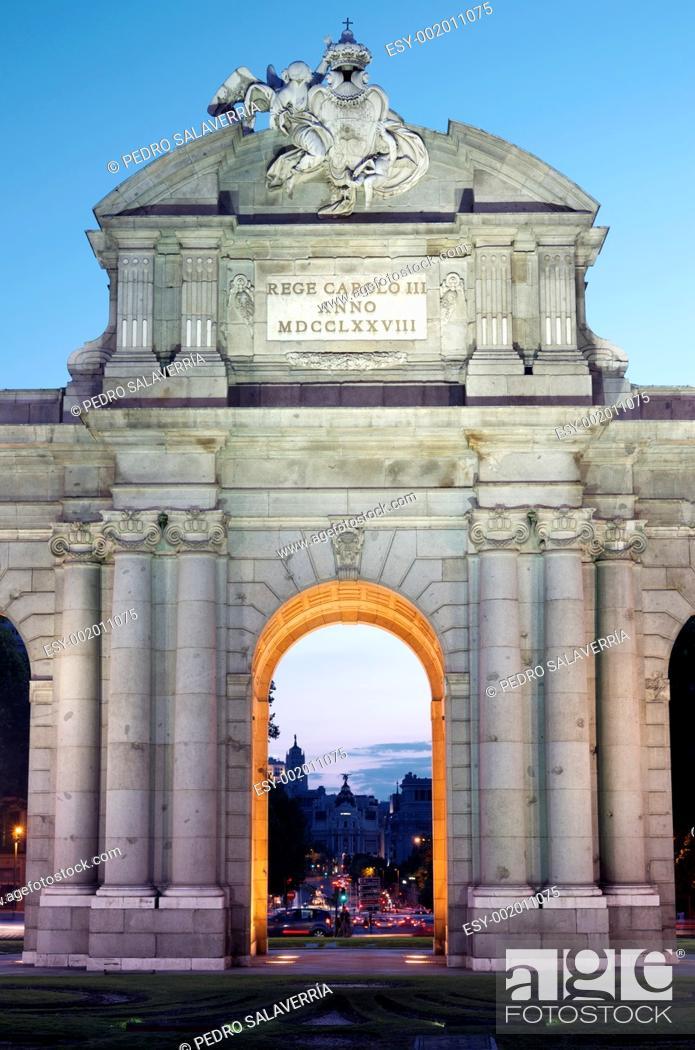 Stock Photo: night view of the famous Puerta de Alcala, Madrid, Spain.