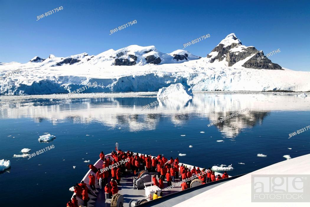 Imagen: view from cruise ship to Paradise Bay, Antarctica, Paradise b.