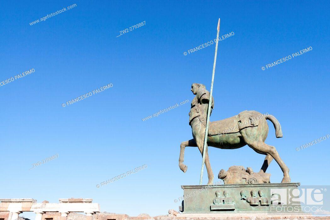 Stock Photo: Ruins of a major important roman city. Pompeii, Campania. Italy.