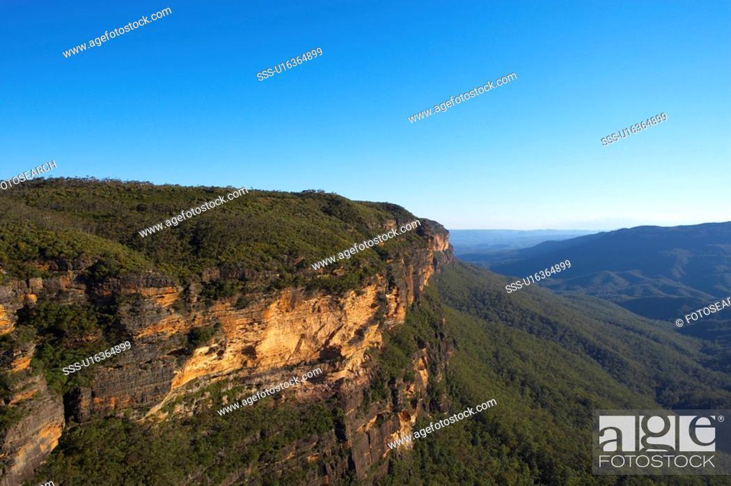 Stock Photo: Kings Table Land in Blue Mountain, Australia.