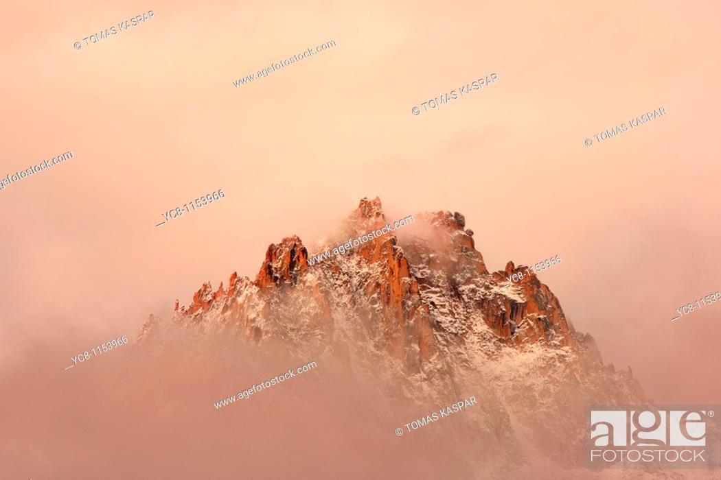 Stock Photo: Sawtooth montains sunrise, Idaho.