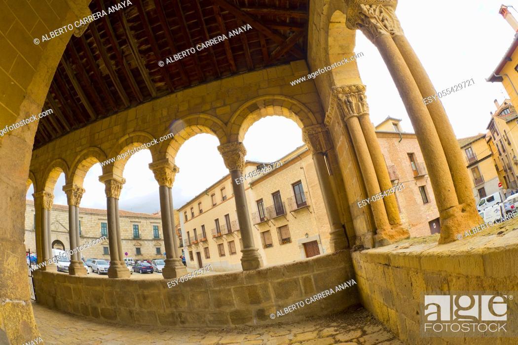 Imagen: Church of San Esteban, 15th Century Romanesque Style, Segovia, UNESCO World Heritage Site, Castilla y León, Spain, Europe.