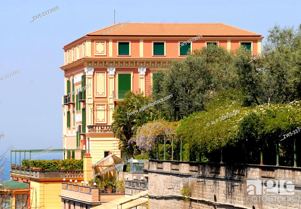 Photo de stock: Hotel building in Sorrento, Campania, Italy.