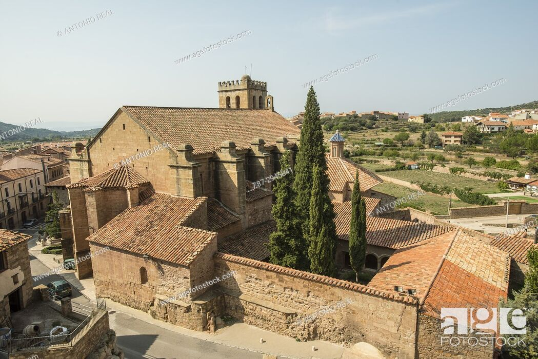 Stock Photo: Iglesia ex Colegiata de la Natividad. Mora de Rubielos.Camino del Cid. Aragón. Spain.