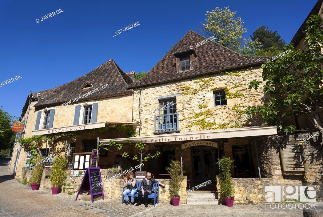 Stock Photo: Restaurant in Beynac-et-Cazenac, Dordogne, Nouvelle Aquitaine, France.