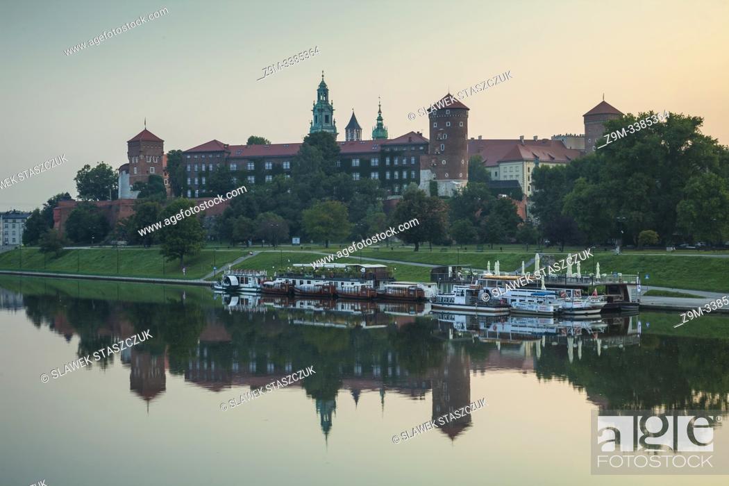 Stock Photo: Dawn at Wawel Royal Castle, Krakow, Poland.