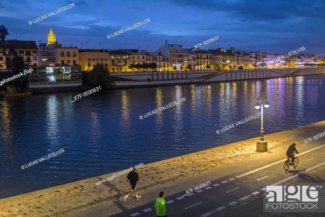 Stock Photo: Paseo Alcalde Marqués del Contadero, in background Guadalquivir river and Triana quarter, Sevilla, Spain.