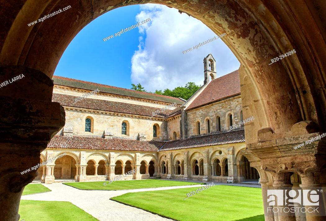 Stock Photo: Cloister, Abbaye Royale de Notre Dame de Fontenay, Fontenay Cistercian Abbey, Montbard, Côte d'Or, Burgundy Region, Bourgogne, France, Europe.
