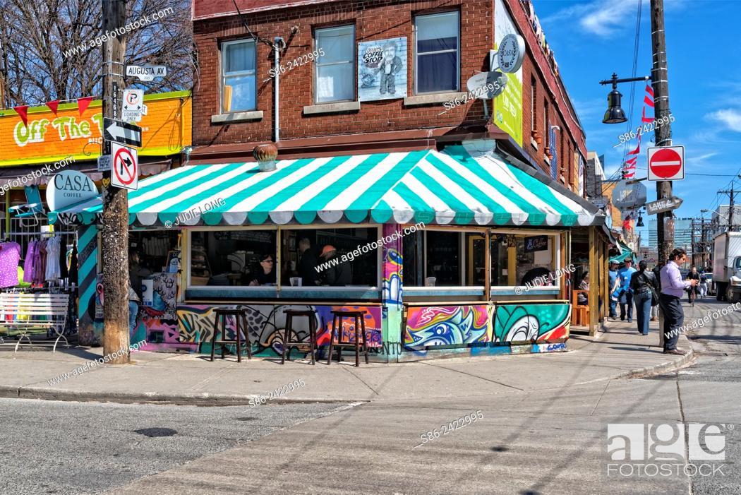 Imagen: Street scene in the Kensington Market area of Toronto, Ontario, Canada.