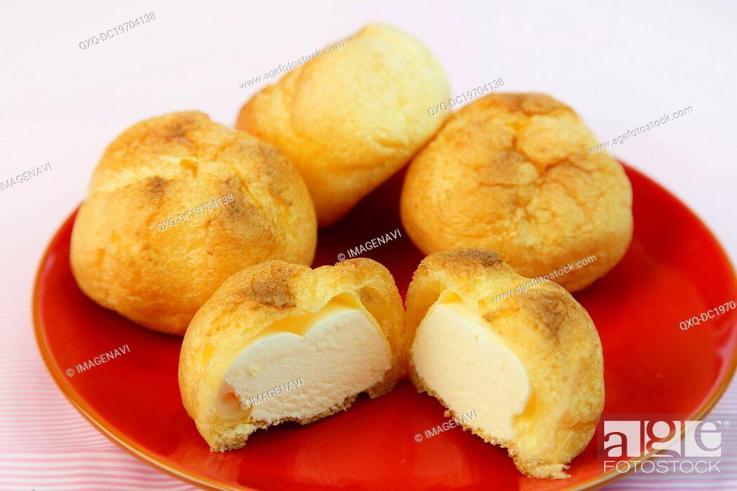Imagen: Cream Puffs.