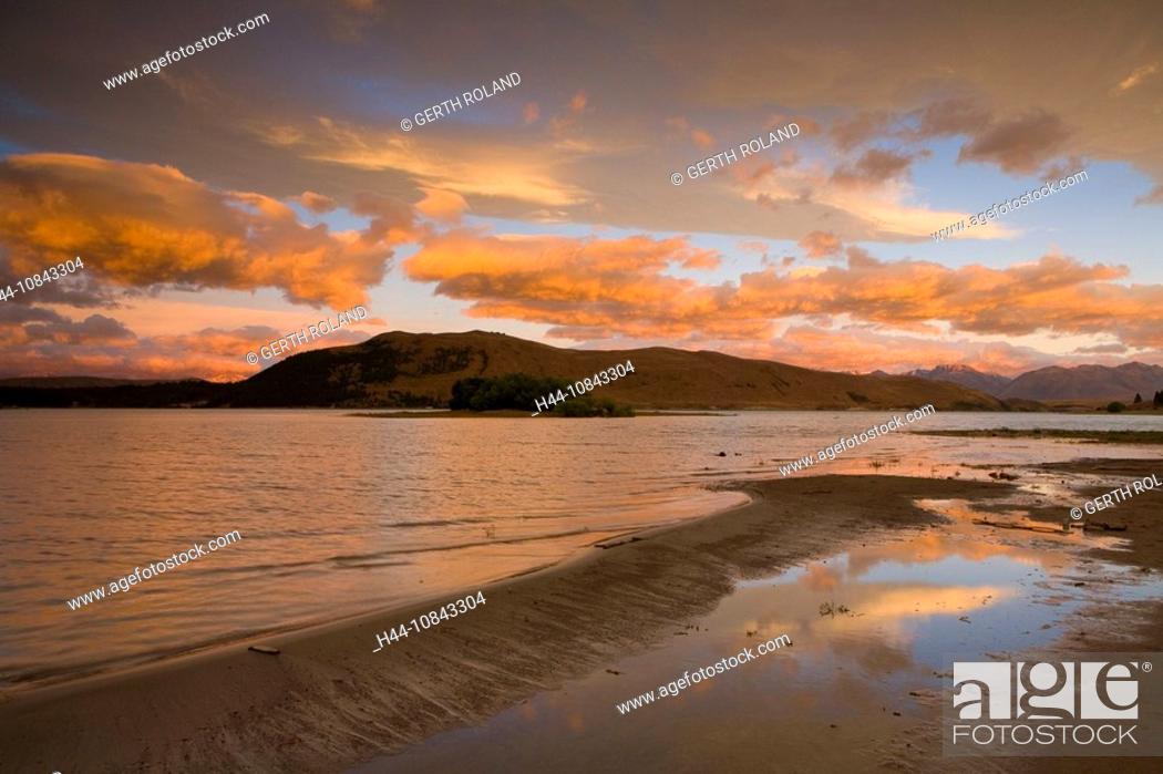Stock Photo: New Zealand, Lake Tekapo, South island, Mountain, Mountains, Lake, Water, Landscape, Nature, Scenic, scenery, landscap.