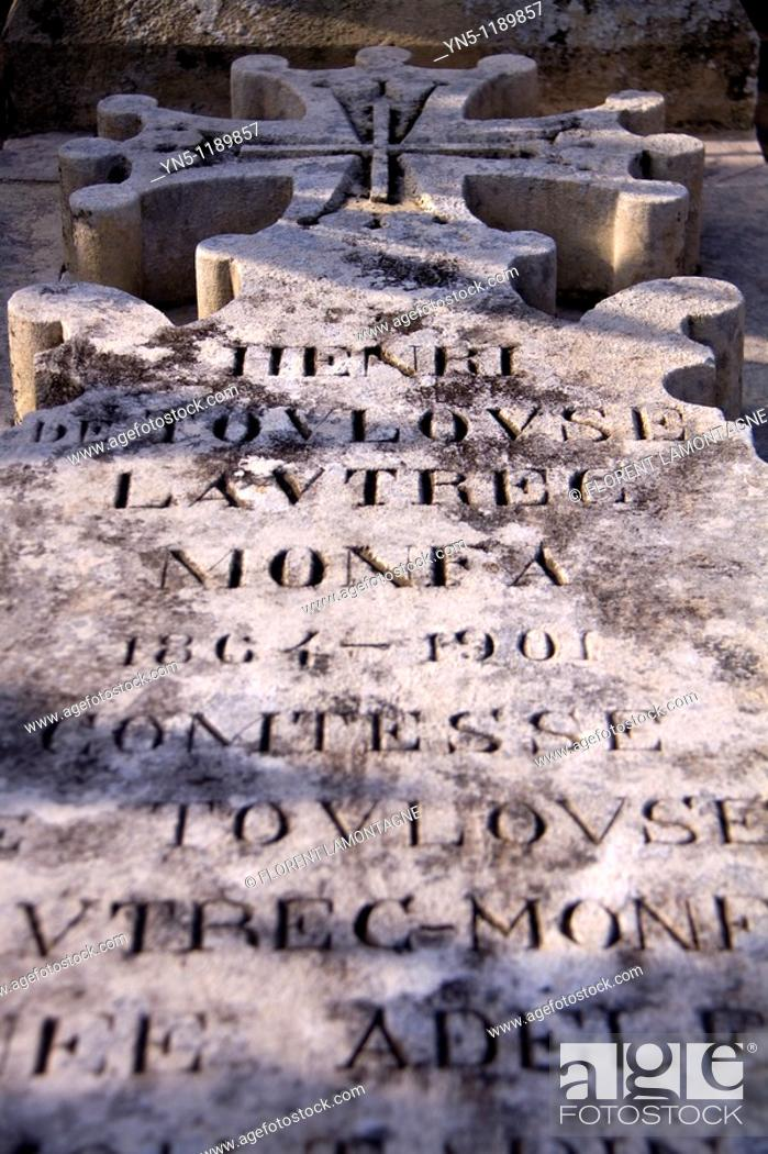 Stock Photo: France, Aquitaine province, Departement of Gironde 33, Verdelais   Verdelais is known for having the grave of the famous french painter Henri de Toulouse.