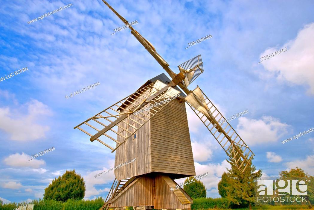 Imagen: france, loire castles : talcy mill.